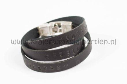 Workshop slagletters armband maken