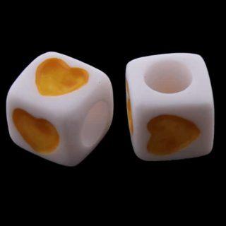 Vierkante kralen hartje geel