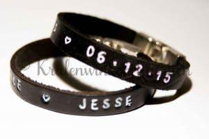 Leren armband met naam slagstempels slagletters leer sluiting