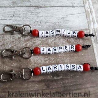 Goedkope kinder sleutelhangers met naam sleutelhanger traktatie goedkoop letterkralen
