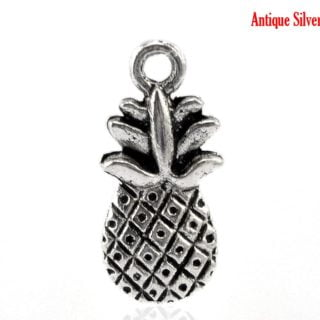 Ananas bedeltjes zilverkleurig