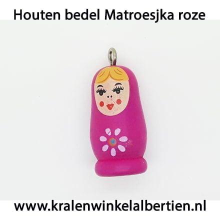 Hanger hout baboesjka roze