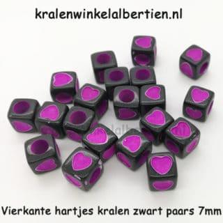 Zwarte kraal vierkant hartje paars 7mm groot gat