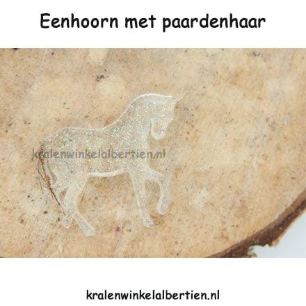 Eenhoorn paardenhaar sieraad beeldje