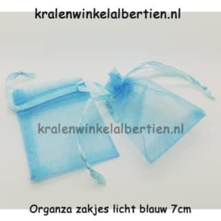 Organza uitdeel zakje klein 7cm lichtblauw