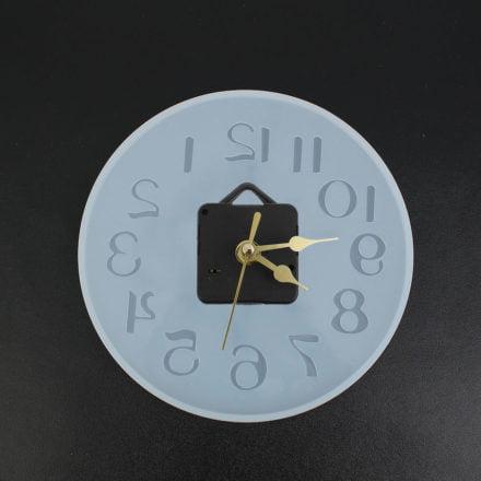 Mal klok met uurwerkje epoxy giethars resin art