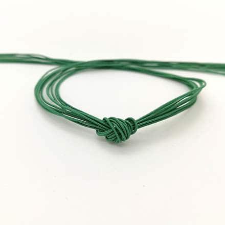 Elastisch koord groen sos naam armbandjes maken