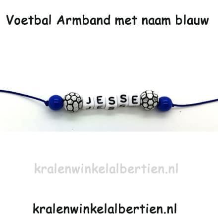 Uitdeelcadeautjes voetbal blauw armbandjes trakteren op school