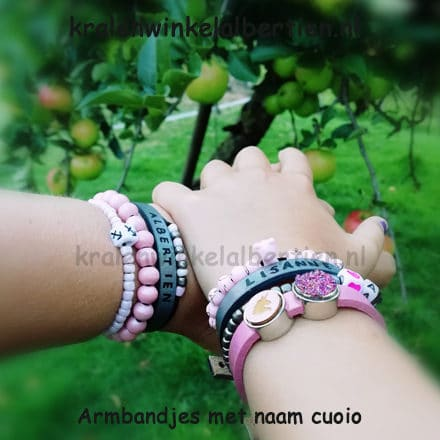 Armbandjes antraciet grijs cuoio met naam ideetjes inspiratie familie mini me