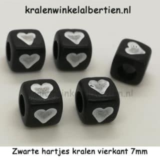 Kraal hart zwart wit vierkant 7mm groot gat