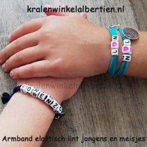 Armbandjes met naam sieraden elastiek letterkralen