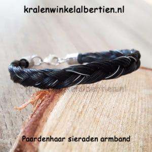 Armband van eigen paardenhaar laten maken gevlochten