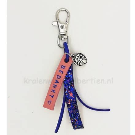 Sleutelhanger met naam bedankt levensboom glitters blauw roze