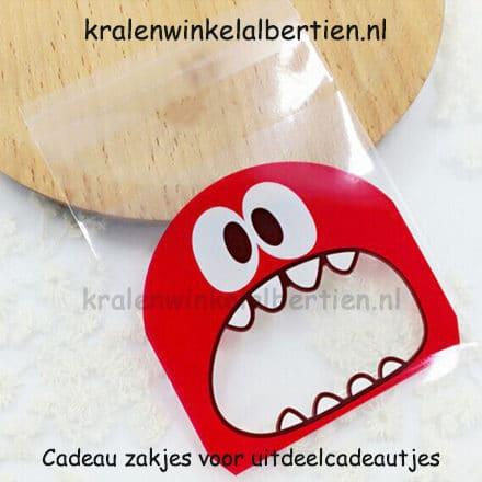 Plastic kado zakjes uitdelen op school rood tanden zak