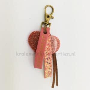 Sleutelhangers met naam goud roze resin art imitatie leer 10mm