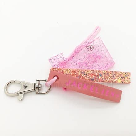 epoxy giethars mal glitters roze resin art sieraden glitter leer