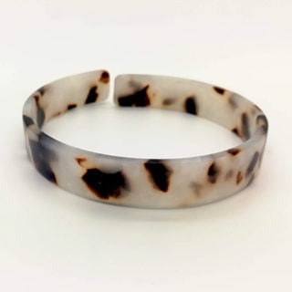Trendy armband 1mm breed white brown trends dit seizoen