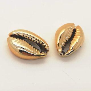Cowrie schelpjes goudkleurig sieraden maken ibiza style zon zee strand enkelbandjes ketting