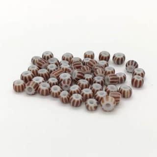 Witte rocaille glaskraaltjes zadelbruin 2 kleuren klein