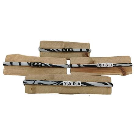 Naamarmbandjes zebra print zwart wit elastisch Ibiza lint