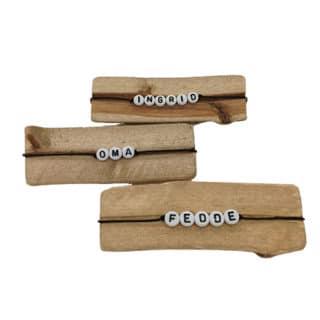 Armbanden met naam letterkralen zwart wit