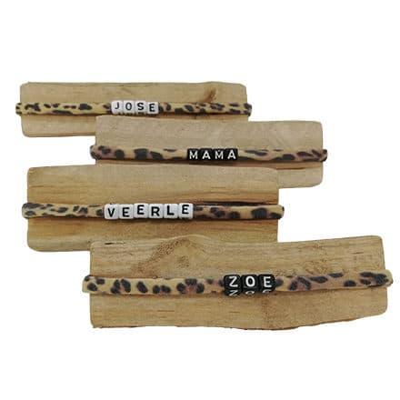Panterprint armbandjes met naam zwart wit