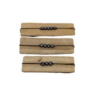 Armband met naam zwart cadeautjes trakatie