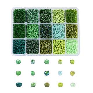 Kleine groene kraaltjes rocaille 3mm glas assorti doos
