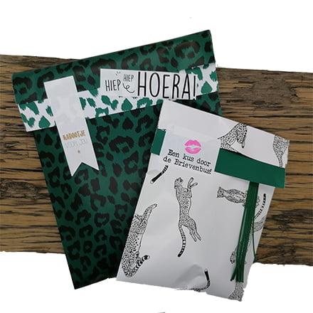 cadeau inpakken zakjes sluitstickers panter groen
