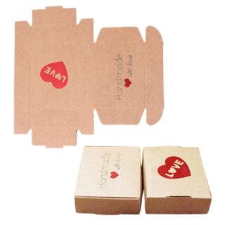 Cadeau doosje kraft rood handmade with love